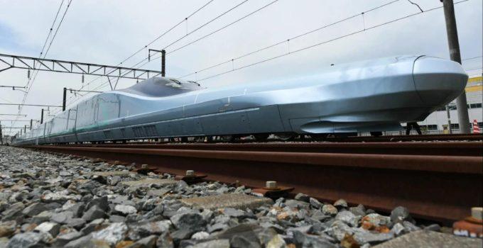 315c9d_shinkansen_alfa-x_x974